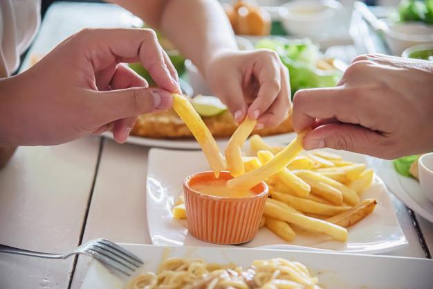 frite de pomme par la friteuse SEB